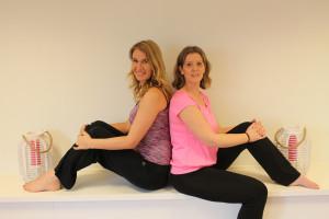 Daniëlle en Monica, yogadocenten van de yogastudio